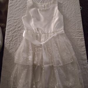 I'm selling a brand new never used dress